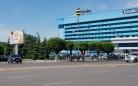 На главном проспекте Караганды появилась новая дорожная разметка жёлтого цвета