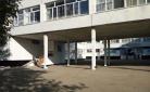 Карагандинец считает, что кабинеты коррекции в одной из школ города станут причиной появления трехсменного обучения