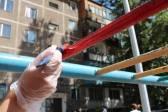 В Караганде волонтёры разукрасили детские площадки к 1 июня