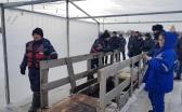 В Караганде для изготовления купели пробили полуметровый слой льда