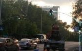 Первый светофор со светящейся опорой появился в Караганде