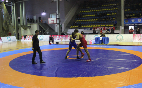 Спортсмены со всего Казахстана принимают участие в турнире по греко-римской борьбе в Караганде