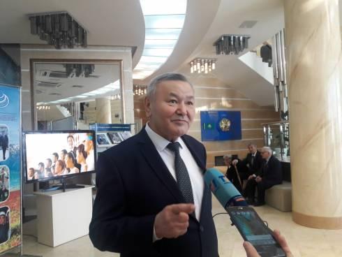 Аким Карагандинской области Ерлан Кошанов встретился с соратниками президента