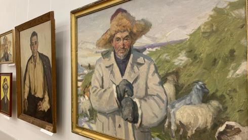 Человек труда в портретах Раимкула Есиркеева: В карагандинском музее открылась выставка художника