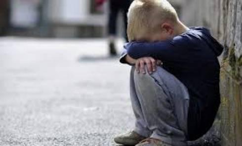 Двухлетнего малыша нашли на улице в Караганде