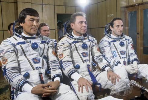 Первому казахстанскому космонавту – 75: О Токтаре Аубакирове рассказали в Музее авиации и космонавтики в Караганде