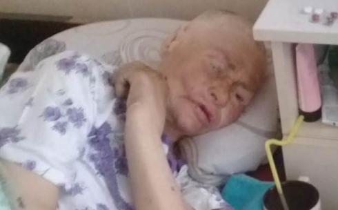 В Караганде пожилой женщине некуда идти