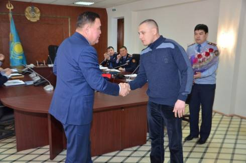 12 февраля Анатолий Слатинин торжественно был награжден в стенах ДВД Карагандинской области