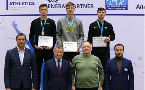Карагандинский легкоатлет побил «древний» рекорд Казахстана в беге на 60 метров с барьерами