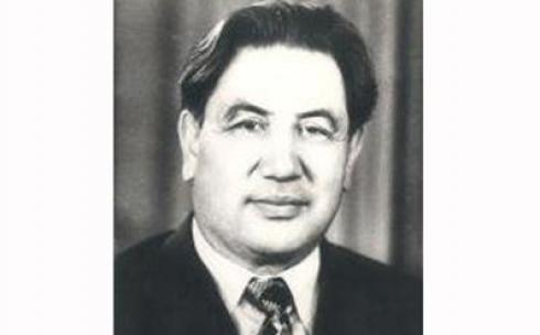 Академик Букетов и Центральный Казахстан