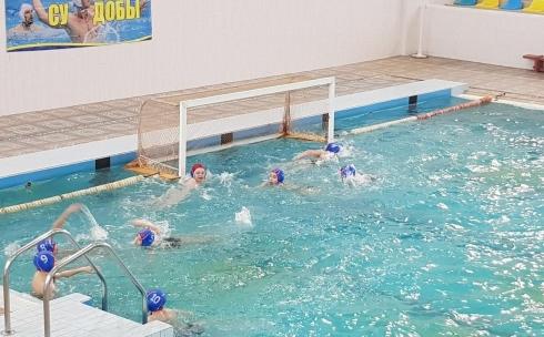 В Караганде проходит турнир «Алтын доп» по водному поло