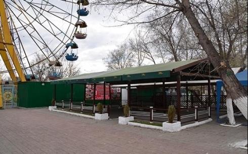 В Караганде никто не проверяет санитарную обстановку в летних кафе Центрального парка