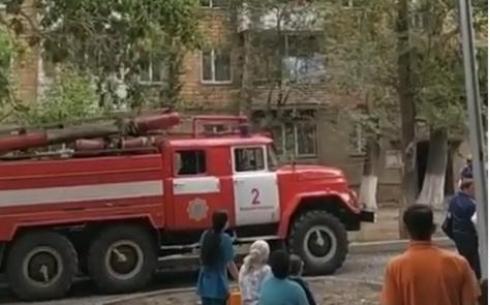 В результате пожара в одном из пятиэтажных домов Караганды было эвакуировано 22 человека