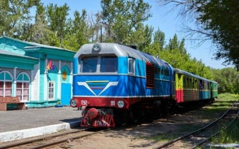 Карагандинскую детскую железную дорогу готовят к летнему сезону