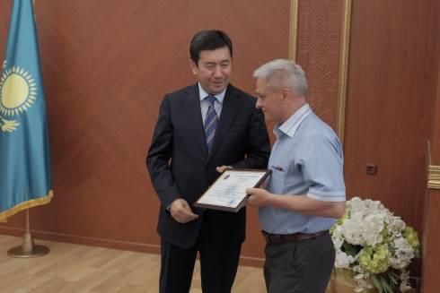 В Караганде наградили активистов восстанавливающих Арыс