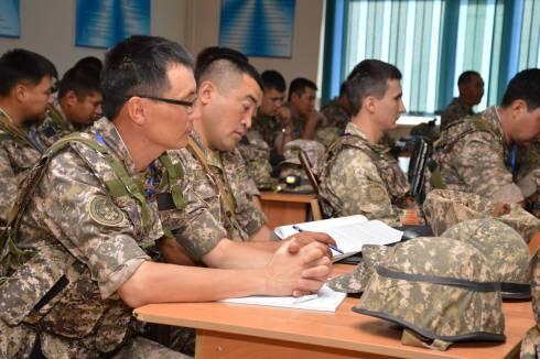 В Караганде военнослужащих учили быть в высшей степени боевой готовности