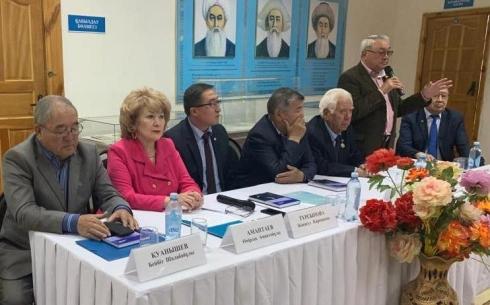 В карагандинском областном архиве открыли личный фонд ветерана труда