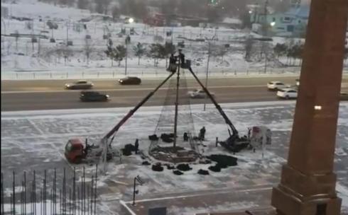 Зачем в Караганде разобрали новогодние ёлки?