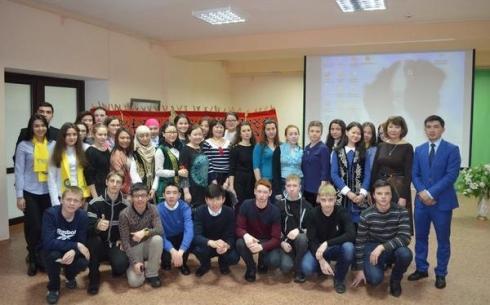 В Караганде проведено молодежное заседание «Kaz club» на тему «Наурыз жыры»