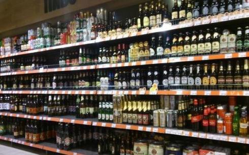Казахстан отменил запрет на продажу водки и пива из России