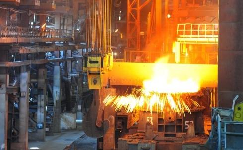 Здесь выплавляют сталь