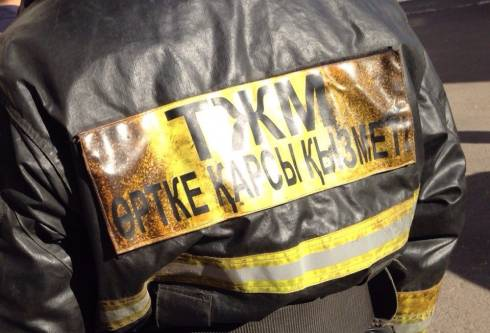В Караганде при исполнении служебных обязанностей пострадали пожарные