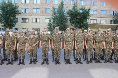 Военнослужащие Карагандинской Национальной гвардии отправляются домой