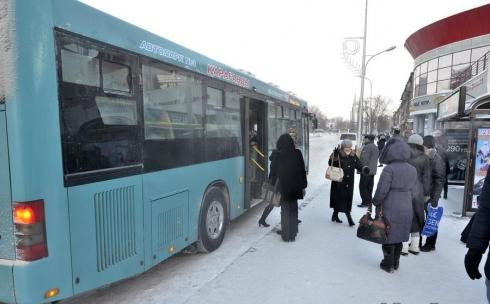 Тариф на проезд в автобусах все же должен подешеветь