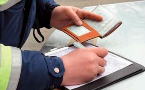 Принять закон о снижении штрафов за нарушение ПДД просят казахстанских депутатов