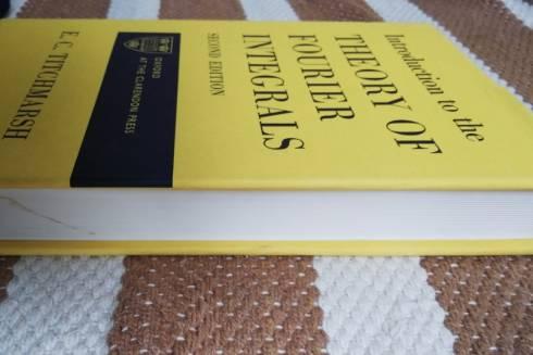 О преобразовании Фурье и 100 новых учебниках