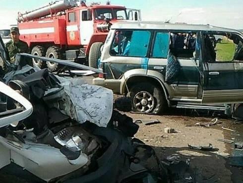 Один человек погиб и двое пострадали в ДТП около Караганды
