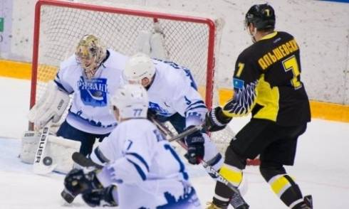 «Сарыарка» проиграла «Рязани» в матче ВХЛ