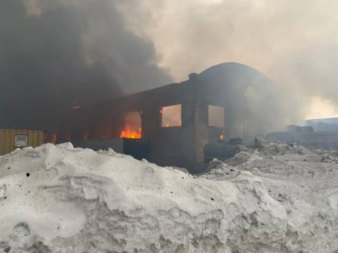 В Караганде сгорел одноэтажный бокс для грузовых автомашин