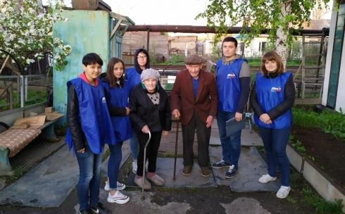В Абае волонтёры окружили заботой тружеников тыла
