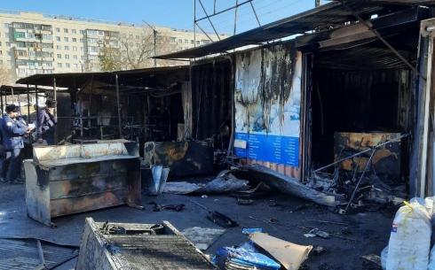 Карагандинские полицейские задержали двух мужчин, подозреваемых в поджоге контейнеров на рынке «Арай»