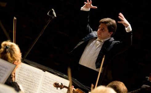 В Караганде на концерте симфонического оркестра будет дирижировать Михаил Леонтьев из Санкт-Петербурга