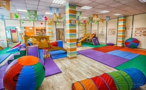 Нужно ли сдавать тест на COVID-19 работникам детских центров
