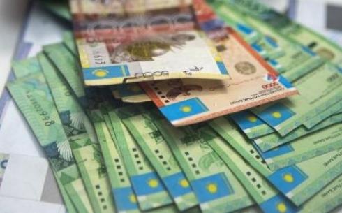 Банкноты номиналом 2000, 5000, 10000 тенге остаются