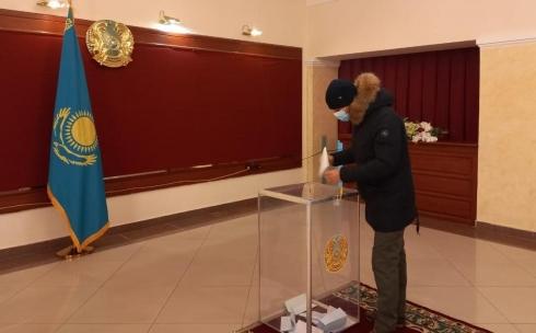 В Карагандинской области проходят выборы на 778 избирательных участках