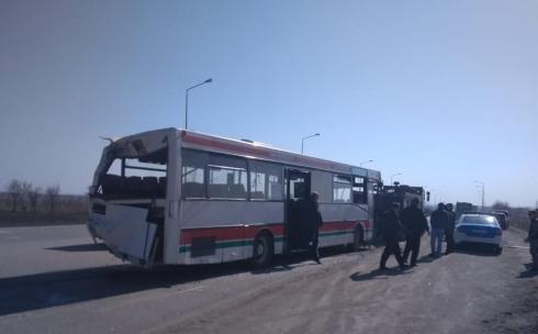 Полицейские озвучили версию ДТП с участием трех автобусов в Караганде