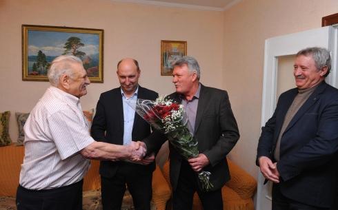 Грамота акима Карагандинской области вручена ветерану угольной промышленности Василию Зименку