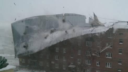 Ветер сорвал кровлю пяти зданий в Карагандинской области
