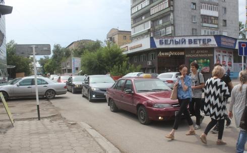 Карагандинец просит пересмотреть время работы светофора на проспекте Бухар-жырау