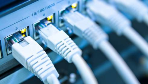 Сагадиев просит обеспечить до 1 сентября все школы интернетом и Wi-Fi