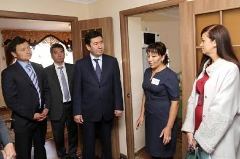 Иностранные туристы поселились в юртах в Карагандинской области