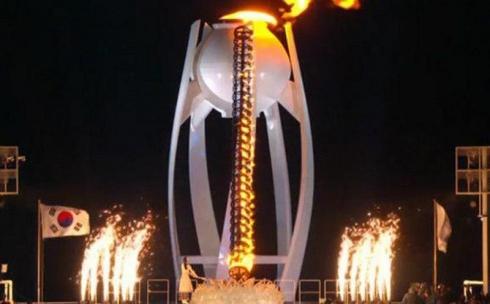 В Пхенчхане зажжен олимпийский огонь