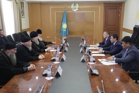 Ерлан Кошанов встретился с митрополитом Астанайским и Казахстанским Александром