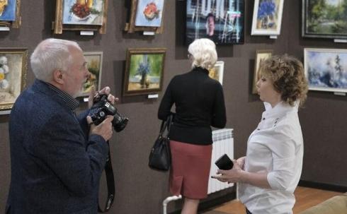 Карагандинские художники все чаще выставляют свои работы на малых выставках