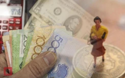 Сколько средств выделят на повышение зарплат учителям в Казахстане