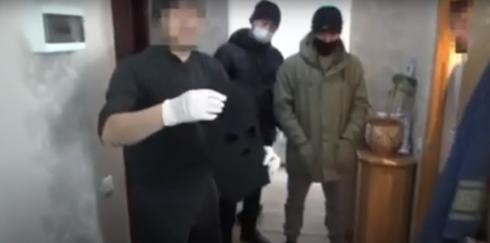 Полицейские задержали грабителей и убийцу 50-летнего владельца магазина из Темиртау